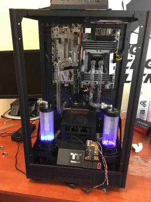17 Thermaltake X-mas Project